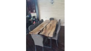 Обеденный стол река из дуба